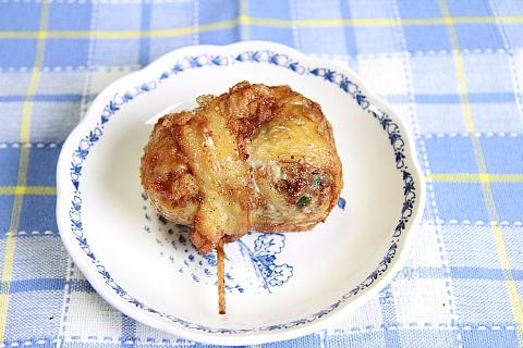 鶏皮餃子4