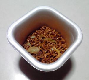JANJAN トマトブレンドソース焼そば(できあがり)