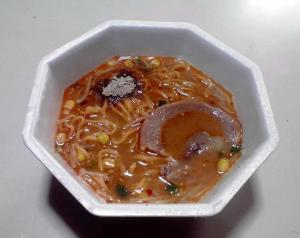 ラ王 旨味豚コク味噌 イセエビ粉末(できあがり)