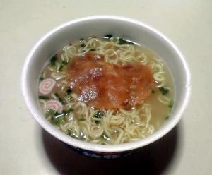 サンポー 焼豚ラーメン 塩とんこつ味(できあがり)
