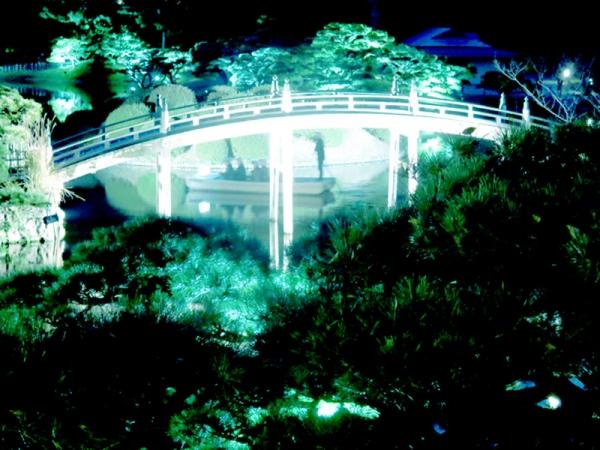 偃月橋と千秋丸