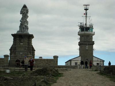 マリア像と測候所