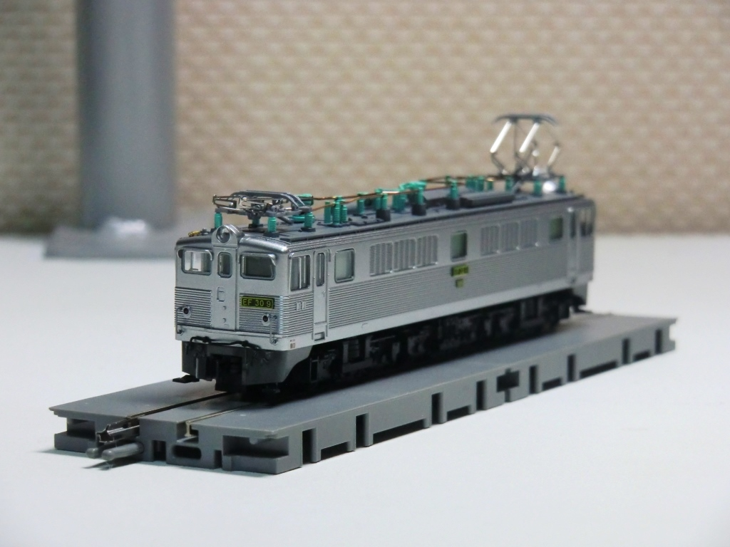 EF30.jpg