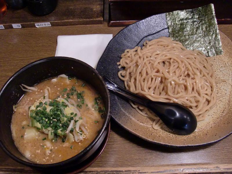 利休@日比谷・ごま味噌つけ麺