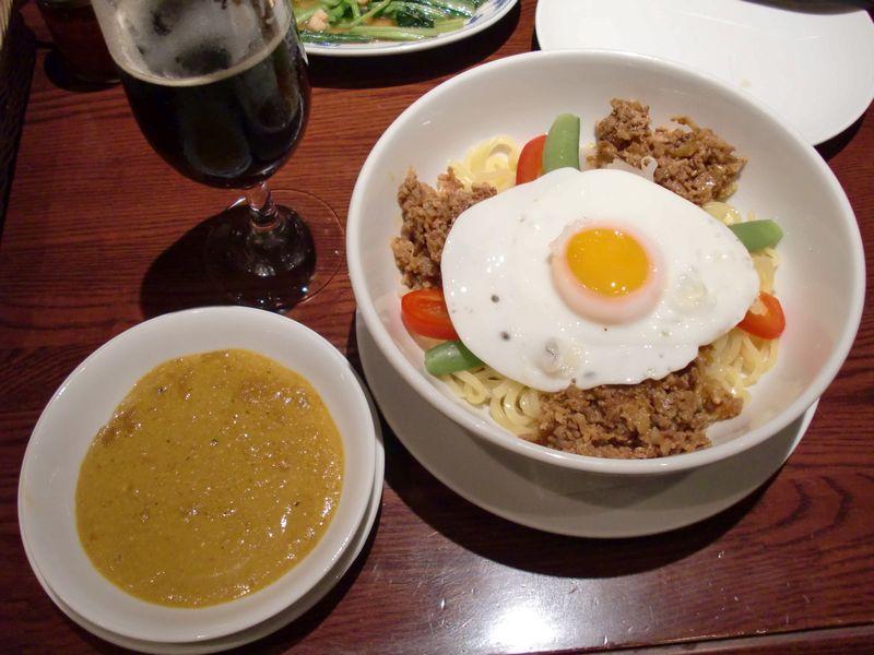 ヴィラ・スラバヤ@豊洲・カレーつけ麺