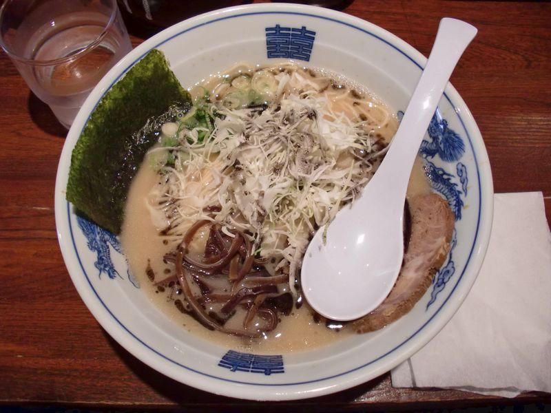 ○助@新宿・黒らぅめん