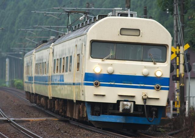 100814-JR-W-419-3cars.jpg