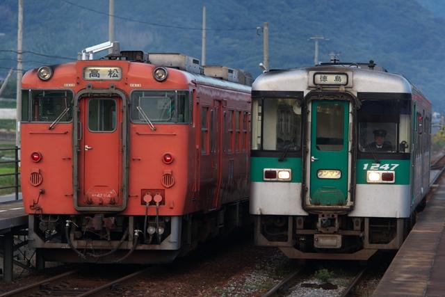 101017-JR-shikoku-DC47-1200-1.jpg