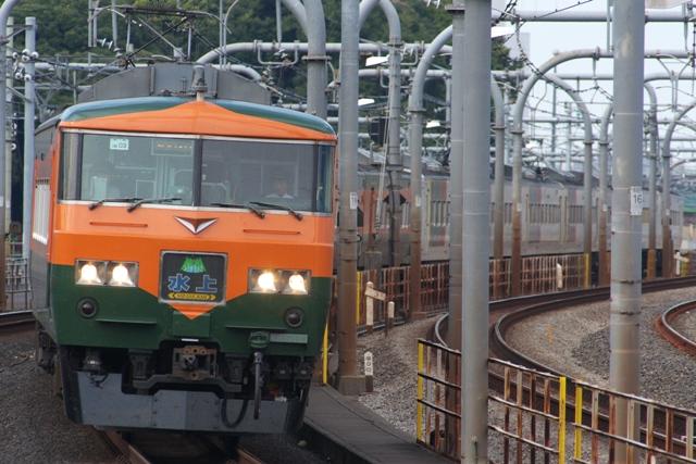 101023-JR-E-185-shounan-normal-minakami-kusatsu.jpg