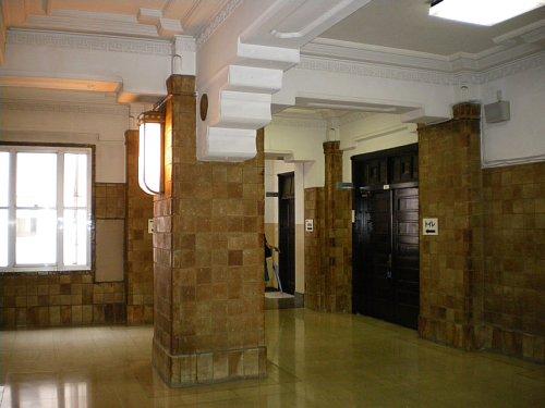 神奈川県庁舎・階段ホール