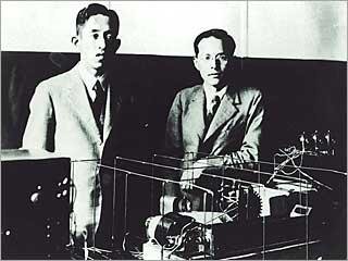 丹羽保次郎(左)と小林正次(右)