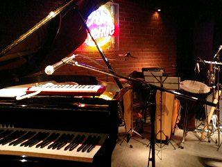 ピアノと太鼓たち