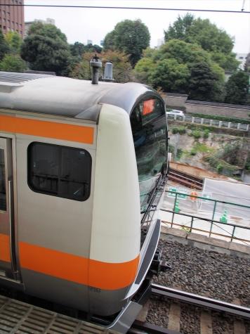 中央線快速 E233系 電車