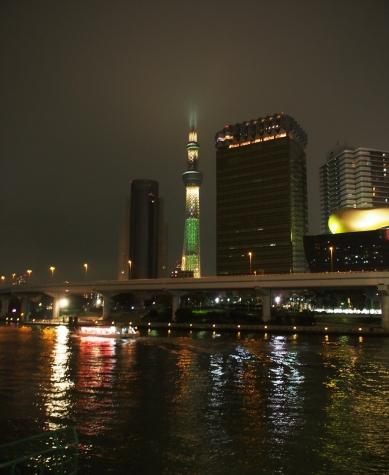 浅草 吾妻橋からの東京スカイツリー