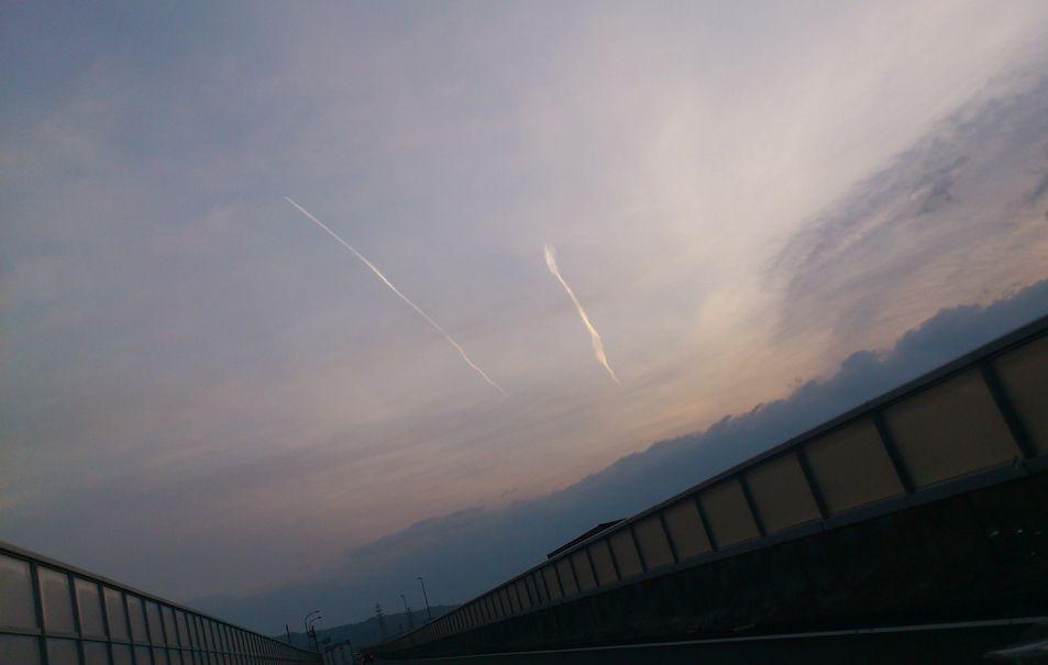 静岡で竜巻型の地震雲を目撃