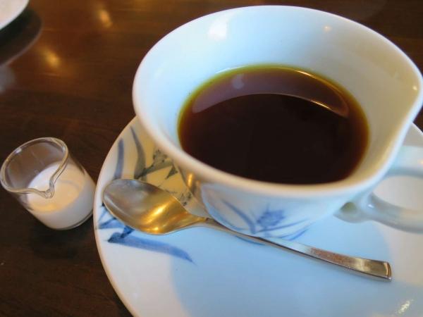 カフェ カラク