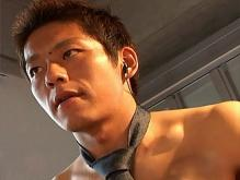 ゲイ動画:激カワプリケツ体育会1年生こんなところでどーしたの !?