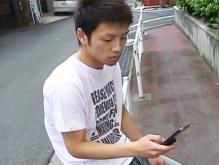 ゲイ動画:ぷりんケツ男子、出会い系で男二人に廻されさぁ大変 !!
