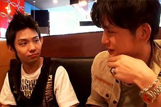 ゲイ動画:Jack'dで出会いを求める男達 西新宿編
