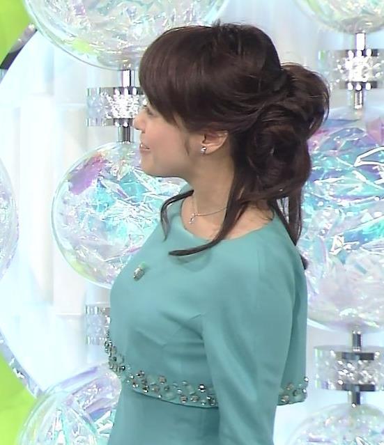 片山千恵子 タイトなワンピース巨乳横乳 (20131225)キャプ画像(エロ・アイコラ画像)