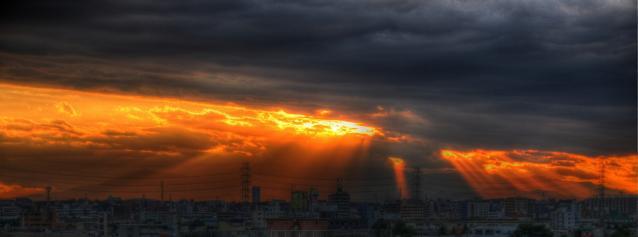 西側の光芒
