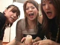肉食系チンポ大好きお姉さんたちの手コキ&オナホの連携技!
