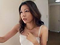 通行人の男を強引に部屋に連れ込み、無理矢理セックスに持ち込む美人すぎる痴女妻の強烈な手口www(´Д`)