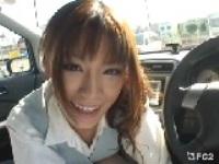 可愛いお姉さんに車内で手コキで抜かれました