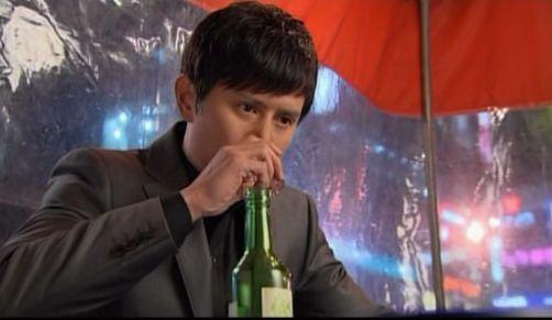 神男711 嫉妬しやけ酒を飲むウヒョン