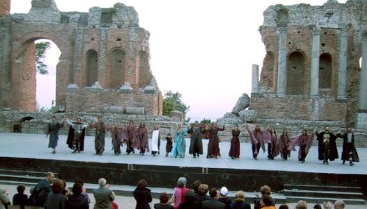 テアトルグレコで上映されるギリシャ悲劇