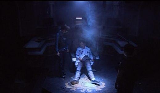 神男1220 アジトを知られソ警部たちに殺される博士