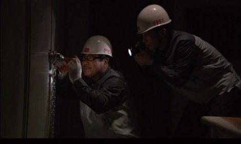 神男1910 電気工事を装いうまく地下倉庫に潜入するジャニーたち